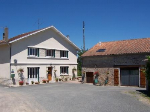 Bed and breakfasts b bs guest houses chambres d 39 h tes for Self garage caen
