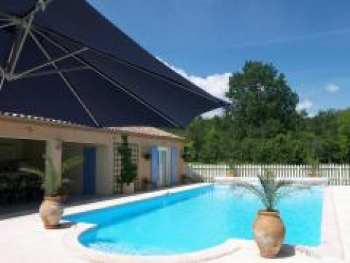 Chambres d 39 hotes de charme in the lot countryside between for Cash piscine cahors