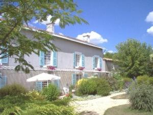 Photo of Maison Bois Fleurie